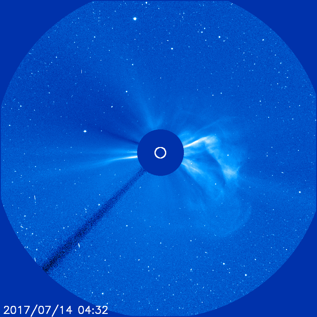 Image of the Sun's corona showing the CME directed to the west. The Sun is behind the occulting disc. (SOHO NASA/ESA)