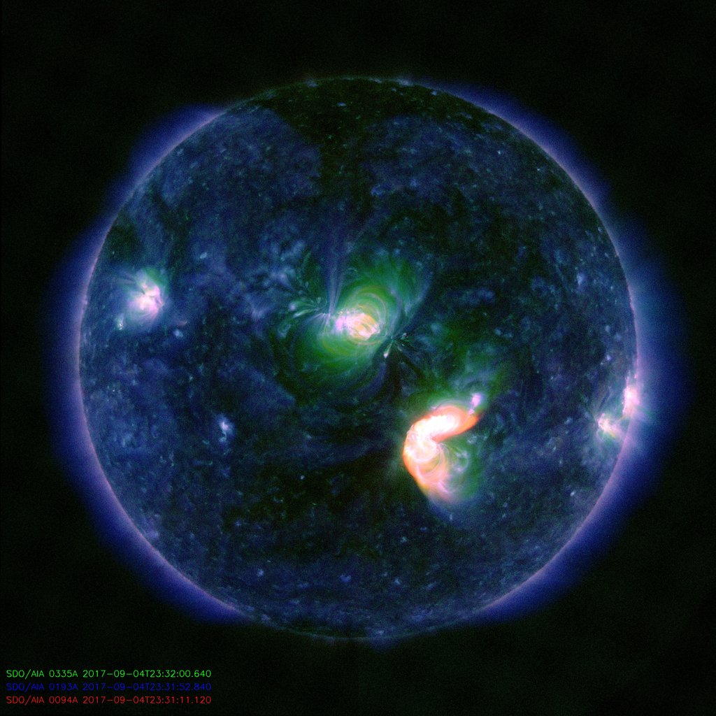 Image of the Sun showing the M5.5 flare. (SDO NASA)